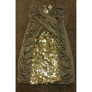 Dresses & Skirts - Strapless sequin dress